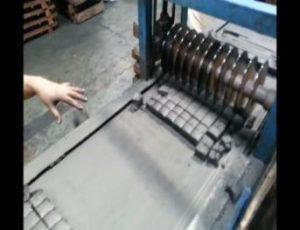 Mesin Pemotong Briket