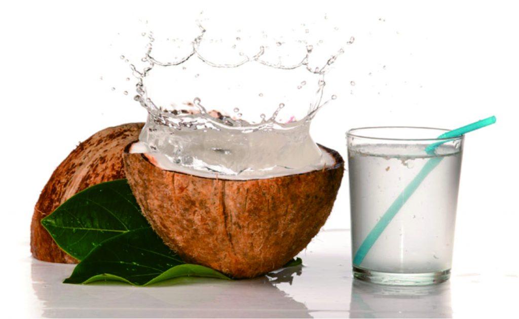 manfaat air kelapa muda untuk wajah