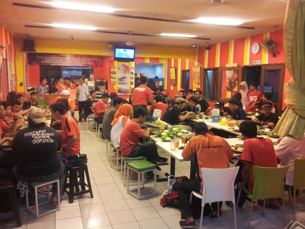 Buka Bisnis Makanan Restoran