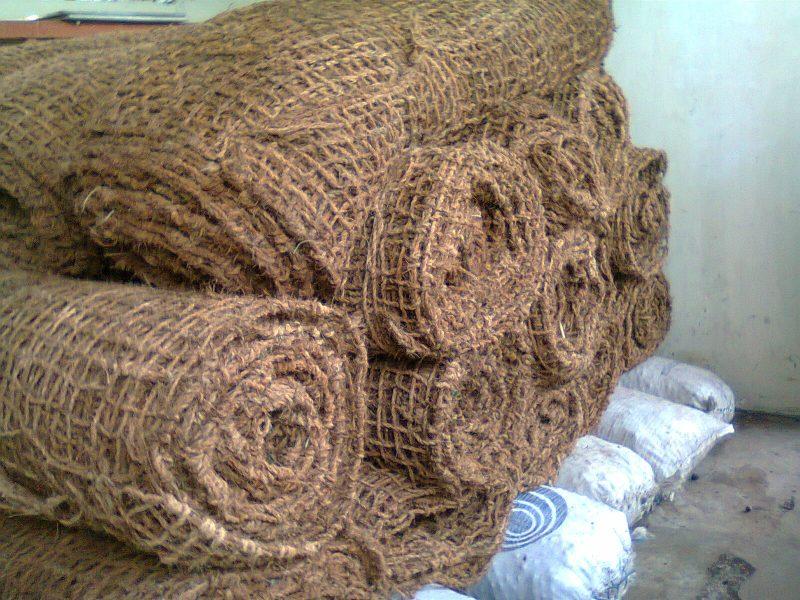 Berbagai Produk Hasil Kerajinan Dari Sabut Kelapa