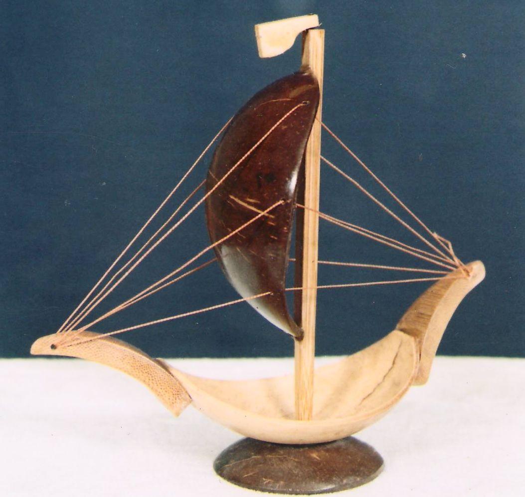 Miniatur Kapal Dari Batok Kelapa
