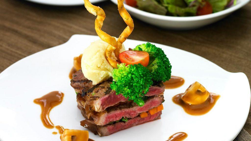 Resep Steak Daging Sapi Saus Jamur