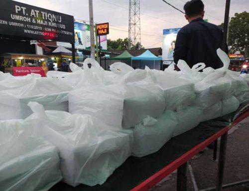 Selama Bulan Ramadhan, Rumah Mesin Bagikan Nasi Kotak Gratis